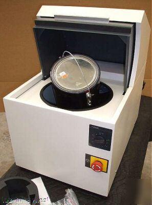 American Global Ag 450 1 Gal 1 Qt Paint Mixer Shaker